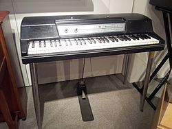 Wurlitzer Electronic Piano 200A, Museum of Making Music.jpg