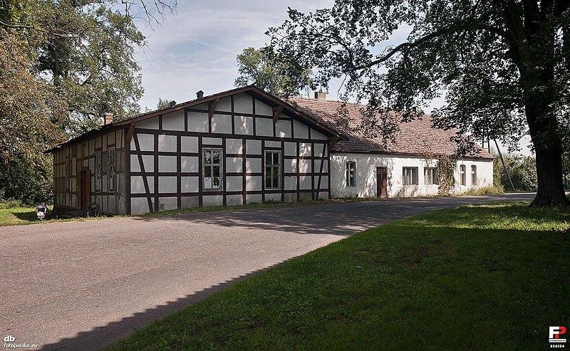 File:Zaszczytowo, Świetlica wiejska - fotopolska.eu (338154).jpg