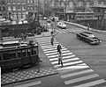 Zebraovergang in Amsterdam. Zebraovergang op de Munt, Bestanddeelnr 913-1217.jpg