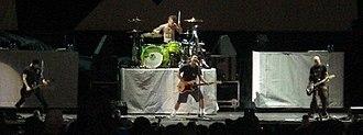 +44 (band) - Image: +44 Live