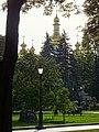 Вид на Михайлівський Золотоверхий монастир зі сторони Володимирської гірки.jpg