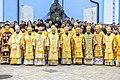 Митрополит Епіфаній із духовенством ПЦУ та студентами КПБА.jpg