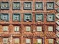 Фрагмент фасада с изразцами, церковь Тихвинской Божией Матери.jpg