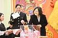 01.23 總統出席「國防部106年新春餐會」,並於致詞後摸彩 (32435450896).jpg