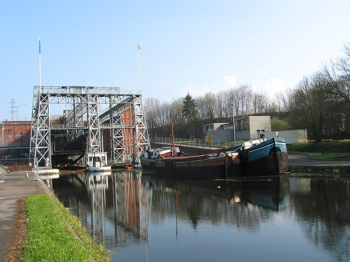 Boat Lifts On The Canal Du Centre Wikipedia