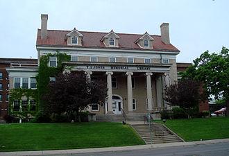 Elliot Park, Minneapolis - Jones Memorial Library, the prominent building of North Central University, faces Elliot Park.
