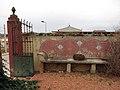 187 Casa Mas (Llorenç del Penedès), pati, banc per seure.JPG