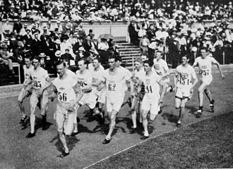 Team races at the Olympics - Image: 1912 Athletics men's 3000 metre team race final 2