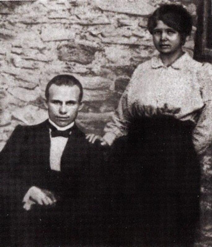 1916. Khrushhev-s-zhenojj-efrosinejj