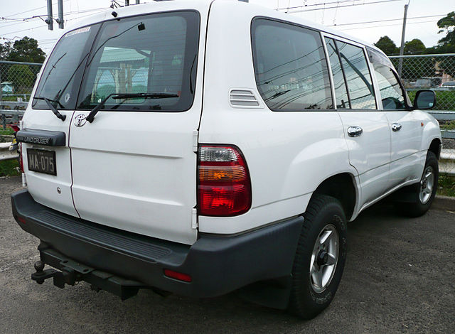 Toyota Land Cruiser 100 (1998-2002)