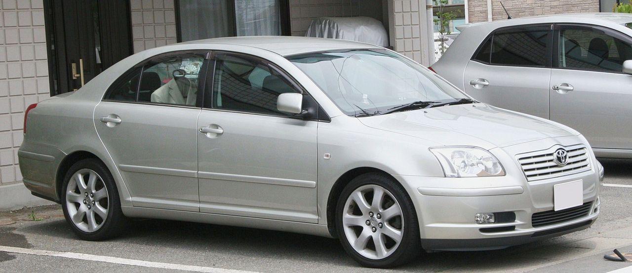 Тойота авенсис фото 2005