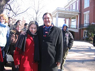 Jan Schakowsky - Schakowsky and Jeffrey Schoenberg in Springfield, Illinois on the day of the Barack Obama's presidential candidacy announcement, 10 February 2007