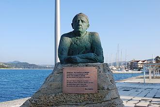 Nikos Kavvadias - The statue of the poet Nikos Kavvadias in Argostoli, Kefalonia.