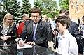 2015-05-28. Последний звонок в 47 школе Донецка 198.jpg