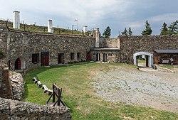 2016 Twierdza Srebrna Góra, fort Ostróg 4.jpg