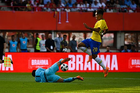 20180610 FIFA Friendly Match Austria vs. Brazil Lindner Firmino 850 0086.jpg