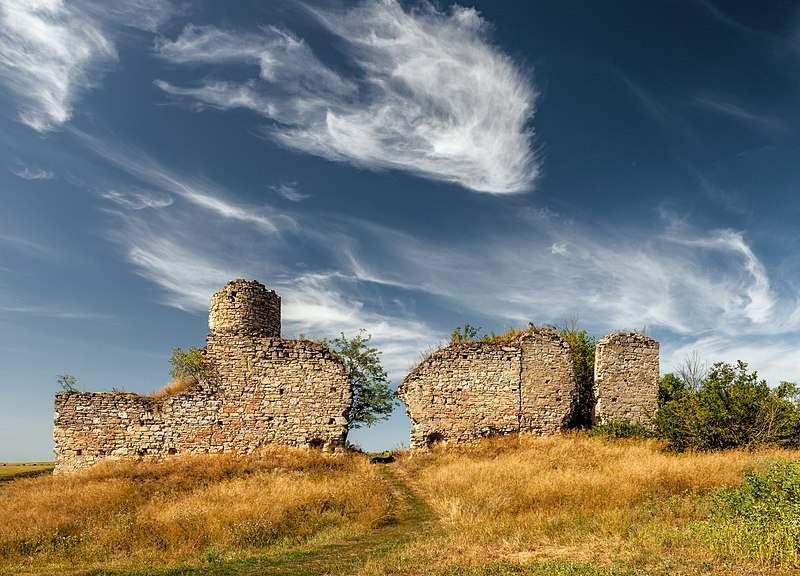 File:2018 - Замок в Чорнокозинцях.jpg