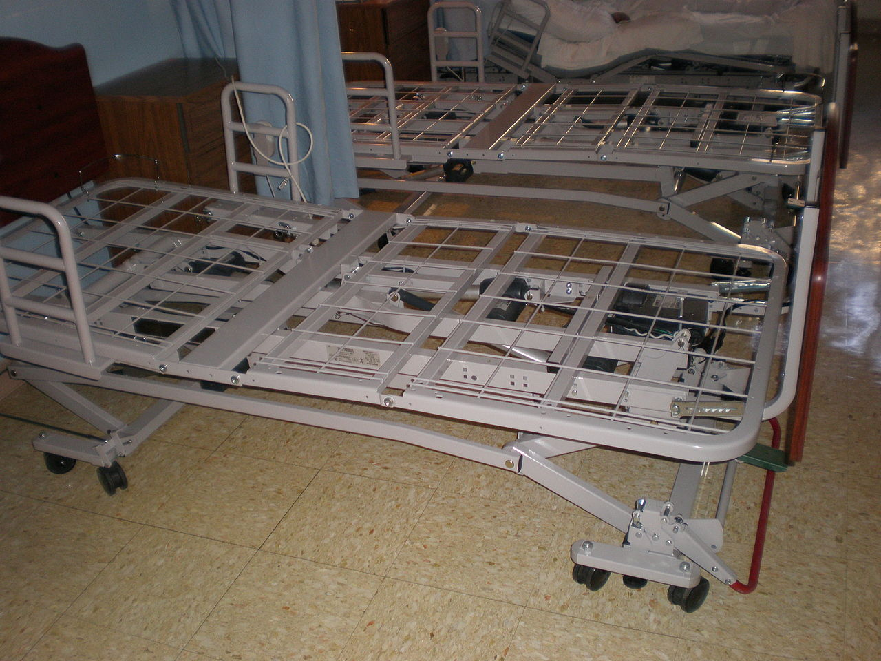 Bed Frames With Head And Footboard Brackets