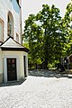 AT-17544 Kath. Pfarrkirche hl. Jakobus der Ältere mit Kirchhof und Portal 07.jpg