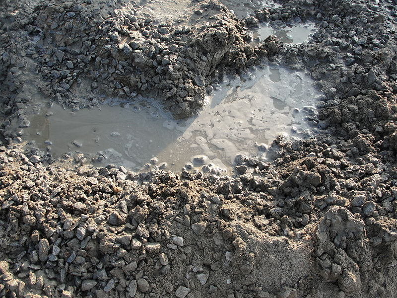 Archivo:A close-up of concrete mixture.JPG