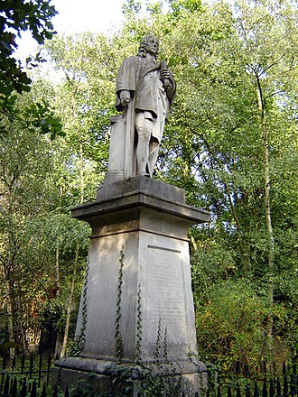 Abney Park Cemetery - Dr Isaac Watts' Statue (September 2005).