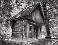Absida bisericii de lemn din Şişeşti.jpg