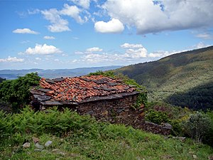Lousã - An abandoned building in the villages of the Serra da Lousã