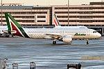 Alitalia, EI-DSY, Airbus A320-216 (39746329375).jpg
