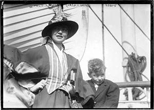 Alma Vetsera Hayne - Alma and her son Rudolph Hayne (1899-?)