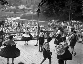 Alpenfest Obergrainau 1934 StAF W 134 Nr 007044 Bild 1 (5-91883-1).jpg
