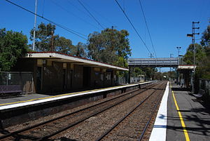 Alphington railway station - Westbound view from Platform 2 in January 2009