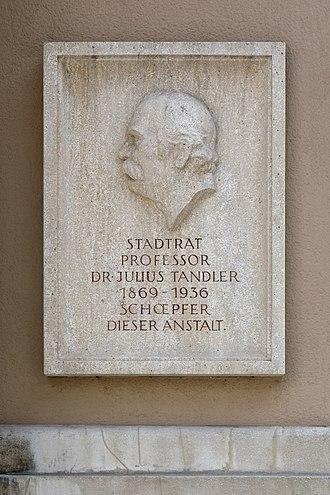 Julius Tandler - Commemorative plaque, Julius Tandler Family Centre, Vienna-Alsergrund