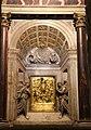 Altare del sacramento, ciborio e sportello in bronzo con Cristro fra angeli di Jacopo Sansovino 01.JPG