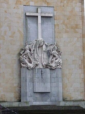 Siege of Gijón - Monument to the fallen at Simancas barracks