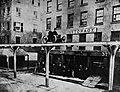 Amerikanischer Photograph um 1867 - Colonel Harvey testet einen Kabelwagen (Zeno Fotografie).jpg
