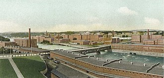 Amoskeag Manufacturing Company - Amoskeag Manufacturing Company, looking upriver (north) in 1911
