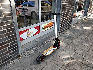 Motorized scooter Powered stand-up scooter