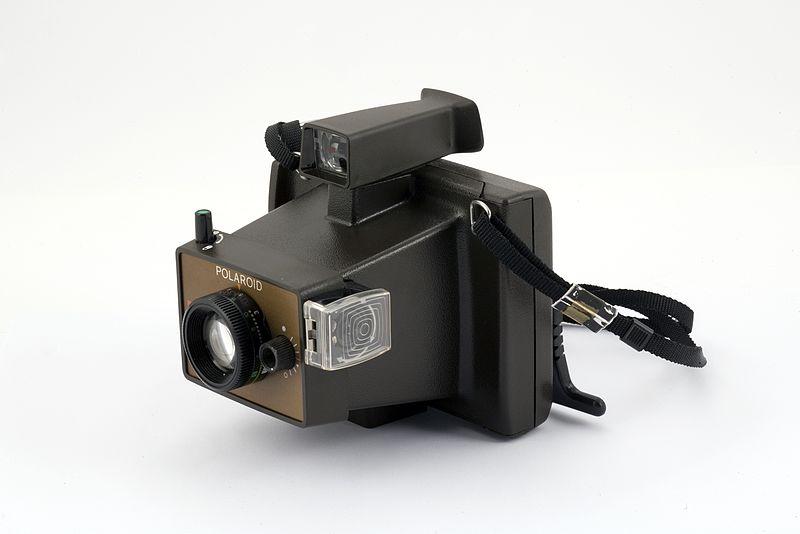 File:Apparecchio fotografico a sviluppo rapido - Museo scienza tecnologia Milano 12996 01.jpg