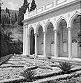 Architectuur in de perzische tuin van de Bahai temple (Bahá'í Huis van Aanbiddin, Bestanddeelnr 255-2101.jpg