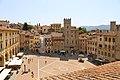 Arezzo, fraternita dei laici, veduta su piazza grande.jpg