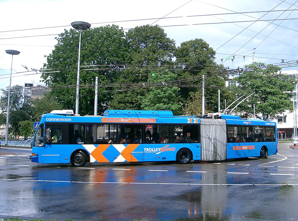 Arnhem-Trolleybus-4-wheel-steering