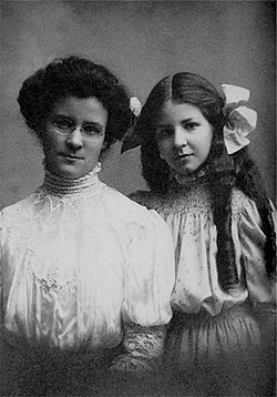 Isabel Briggs Myers, R, and Katharine Briggs, L