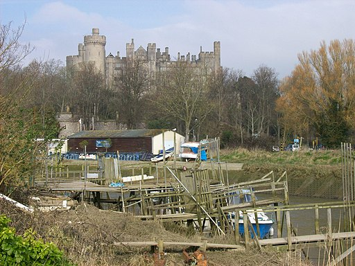 Arundel Castle from river 1