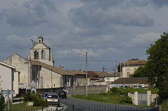 Aubie-et-Espessas - Image: Aubie et espessas centre village