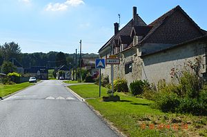Augy, Aisne - The road into Augy