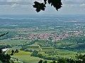 Ausblick vom Albtraufgängerweg Richtung Weilheim an der Teck - panoramio.jpg