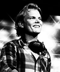 Avicii @ London tentparty (cropped).jpg