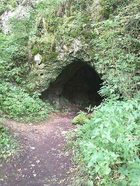 Datei:Bärenhöhle (Lonetal).jpg