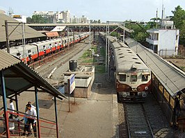 BANDRA Railway Station in Mumbai.jpg