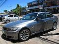 BMW 325i 2009 (12530289393).jpg